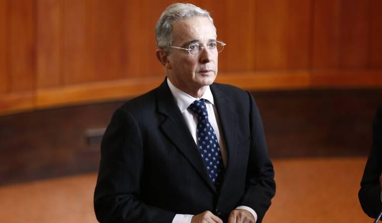 """Corte archiva investigación contra Uribe sobre campaña del """"No"""""""