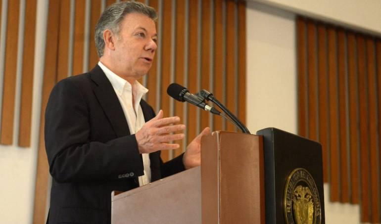 """Periodistas amenazados: Santos: """"Amenazas a periodistas buscan multiplicar el miedo"""""""