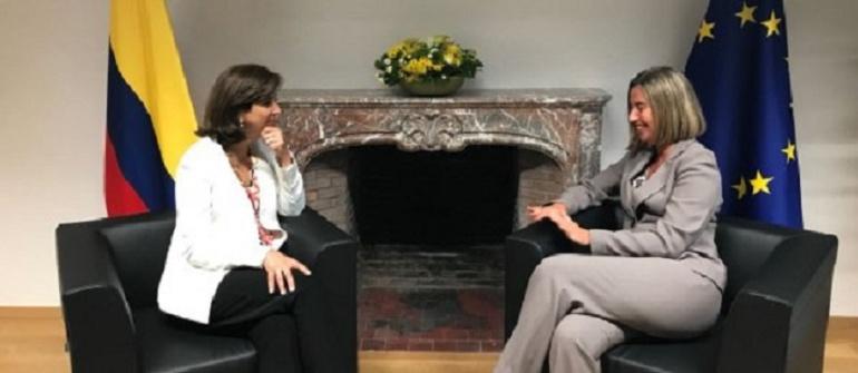 María Angela Holguín y Federica Mogherini.