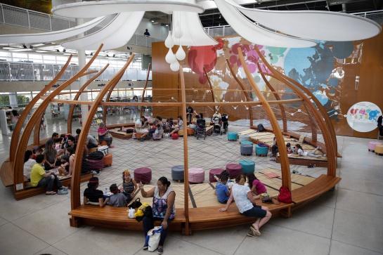 Premio a la mejor biblioteca del mundo: Biblioteca construida sobre un basurero aspira ser la mejor del mundo