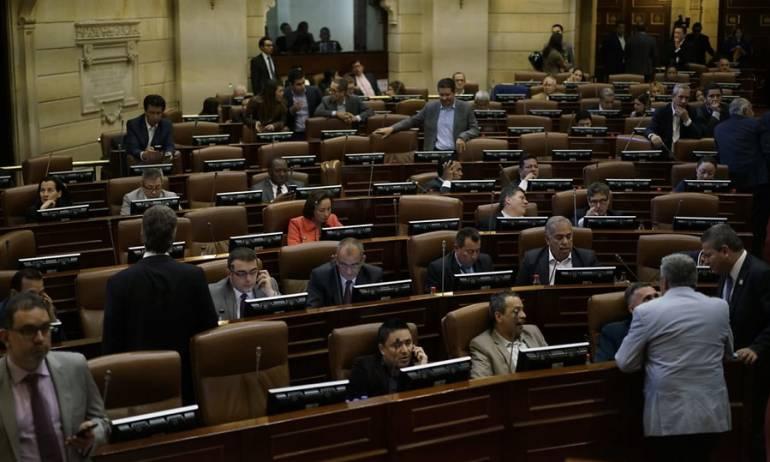 Rama legislativa: Las tres polémicas aspiraciones para las secretarías del Congreso