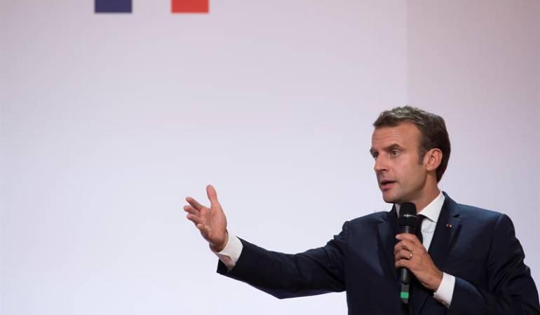 Piden moción de censura contra el presidente de Francia