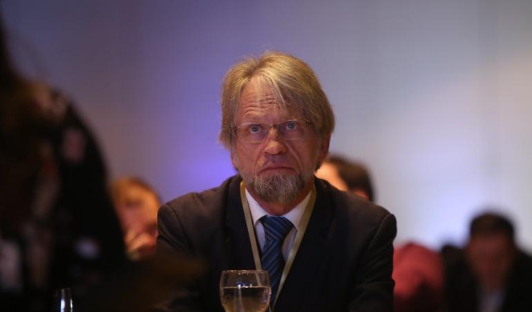 Antanas Mockus se baja los pantalones en el Senado: Esta es la demanda con la que buscan tumbar la investidura de Mockus