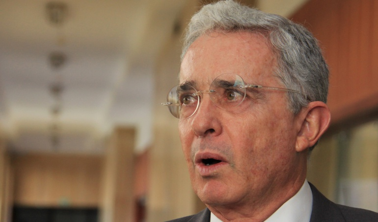 Renuncia Álvaro Uribe: ¿Por qué llaman a indagatoria a Uribe?