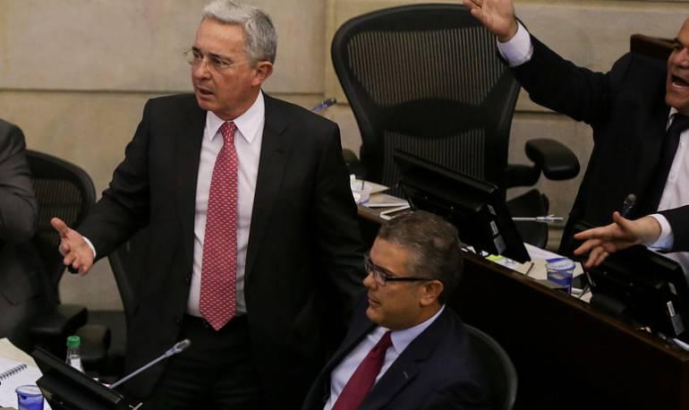 Renuncia de Álvaro Uribe al Senado: ¿La independencia de Duque? Esto dice la prensa internacional