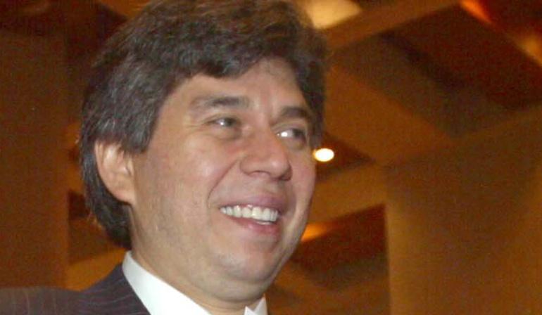 Daniel Coronell y su abordaje al tema Uribe Vélez: Las columnas de Coronell sobre Uribe