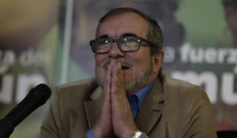 Seguridad Timochenko: Timochenko dice que la UNP le quitó armamento a su esquema de seguridad