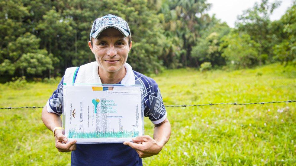 1.437 a familias campesinas vulnerables a la presencia de los cultivos de uso ilícito ahora tienen título de propiedad. (Florencia, Caquetá)