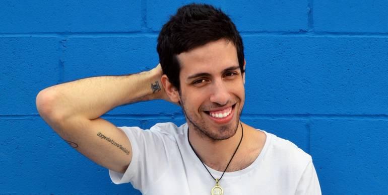 Adam Silvera presentará en Colombia Solo quedó nuestra historia