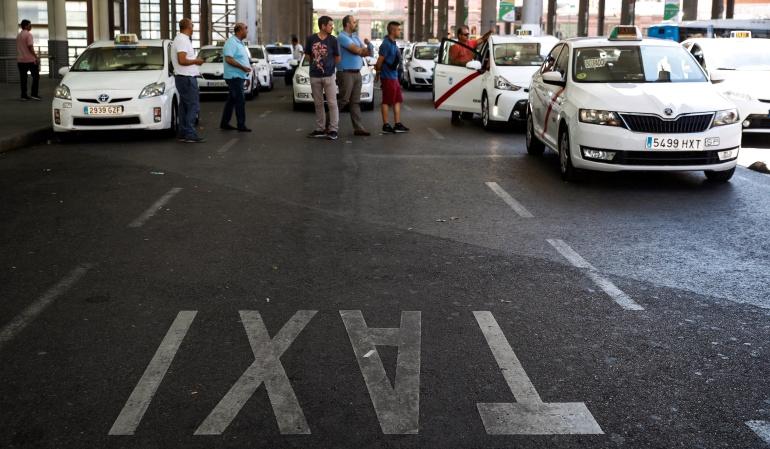 Huelga de taxistas en España: Taxistas de Barcelona y Madrid se declaran en huelga contra Uber y Cabify