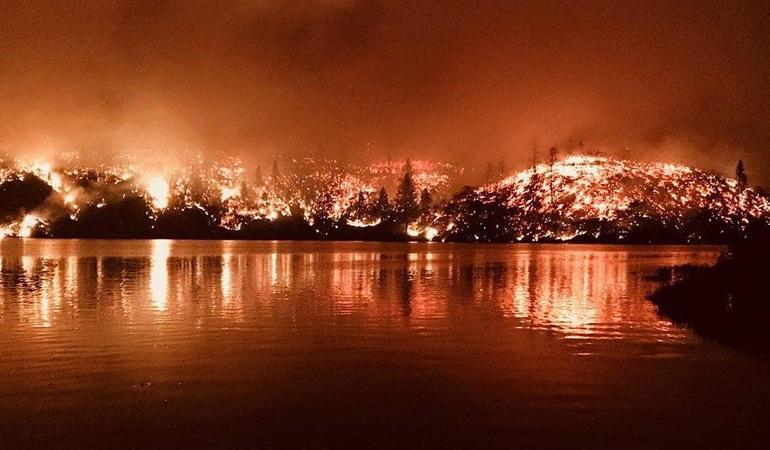 Incendios en California: Cinco muertos y 32.700 hectáreas arrasadas deja incendio en California
