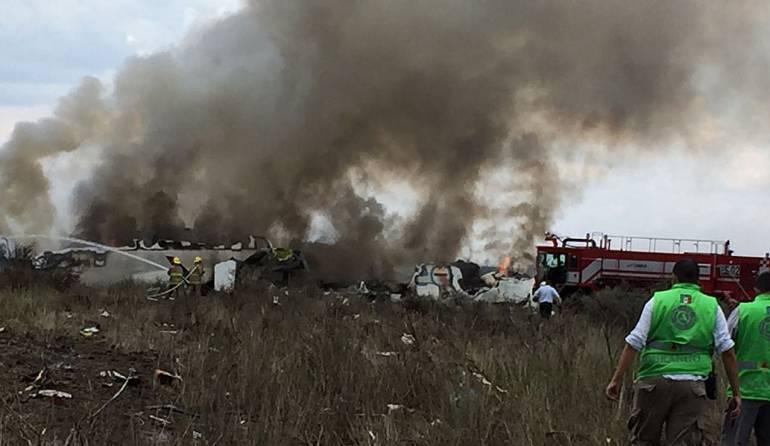 Accidente de avión en Mëxico. Hubo 103 sobrevivientes