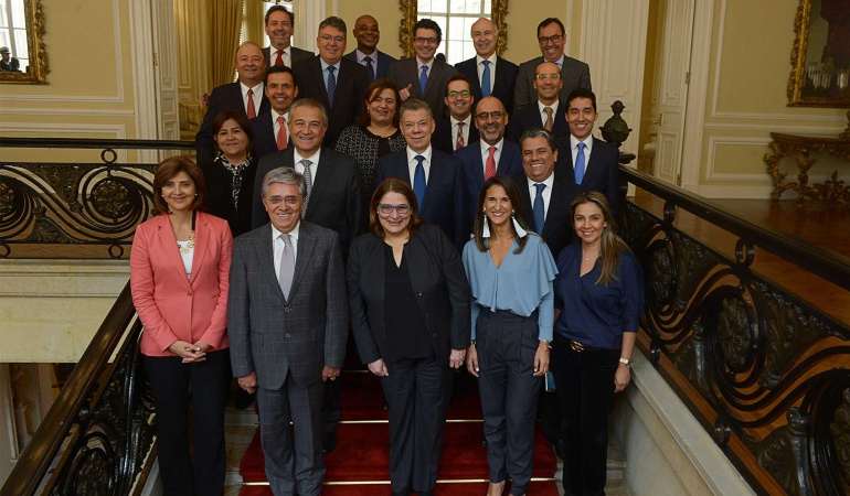Último consejo de ministros de Santos: Entre lágrimas, así fue el último consejo de ministros de Santos