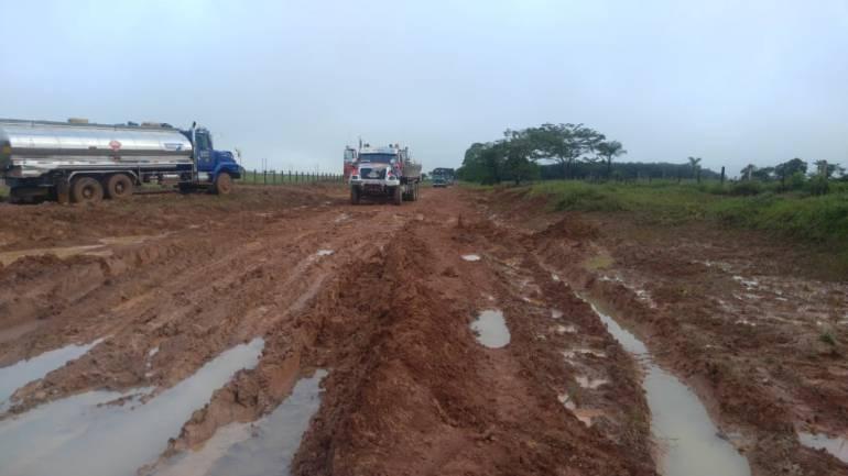 Camiones: Cerrada la vía Nacional San José-Calamar por paro de camioneros