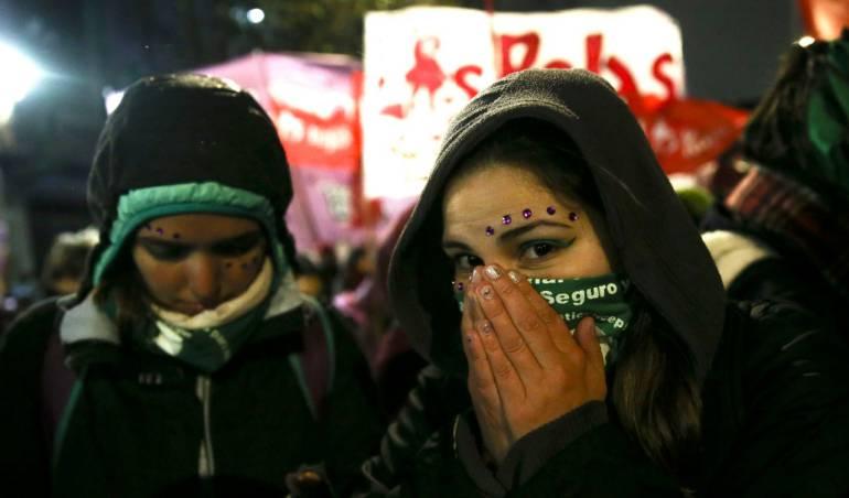 Senado rechazó legalización del aborto en Argentina