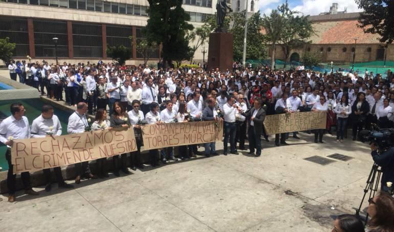 Asesinatos miembro Banco de la república: Trabajadores de Banco de la República rinden homenaje a compañero asesinado