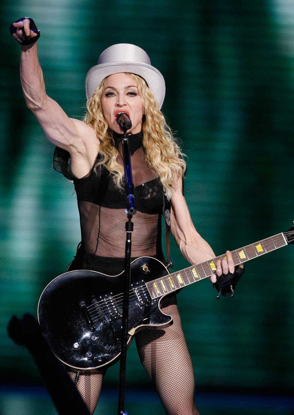 """A la espera de un nuevo álbum tras el ya lejano """"Rebel Heart"""" (2015), la popularidad de Madonna no corre peligro, ya que cada movimiento de la cantante, en cualquier dirección y en cualquier ámbito, se sigue observando y analizando con la atención que solo se dedica a los mitos."""