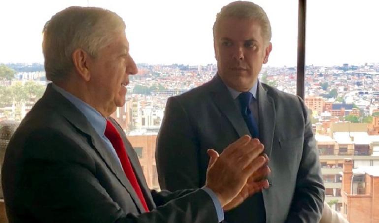 Presidente del partido Liberal Colombiano, César Gaviria Trujillo y el actual presidente de Colombia Iván Duque.
