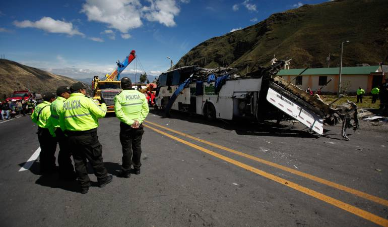 Accidente Ecuador: Bus accidentado en Ecuador, un caso más de mafias en el transporte ilegal