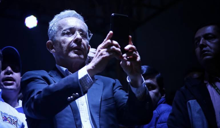 El senador Álvaro Uribe Vélez.