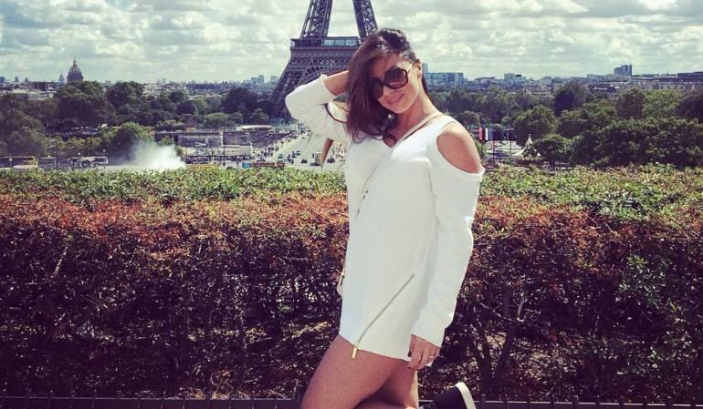 Espereza Gómez desnuda en Europa: ¡Sin ropa interior! Esperanza Gómez conoce Europa
