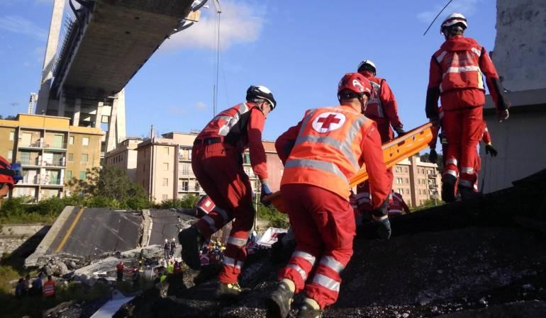 Derrumbe de puente en Génova, Italia.: Hallan más víctimas mortales entre los escombros de puente en Génova