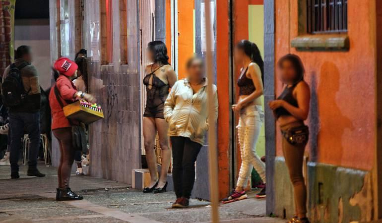 Con engaños, 49 mujeres prestaban servicios sexuales