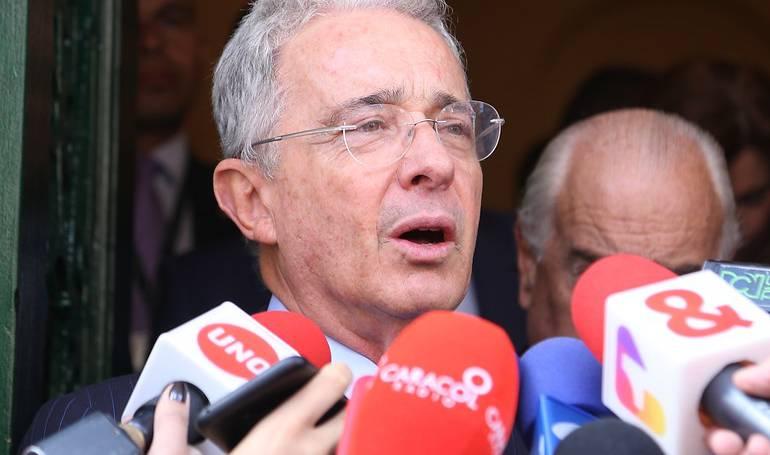 Salario Mínimo: Sin aval del gobierno es imposible aumento salarial propuesto por Uribe