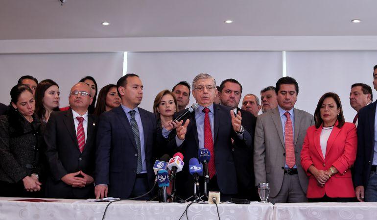 Reacciones a propuestas de cambiar el IVA en Colombia: Propuesta de IVA a la canasta familiar aleja al liberalismo del gobierno