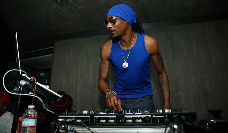 Snoop Dogg es un rapero, cantante, productor y actor estadounidense