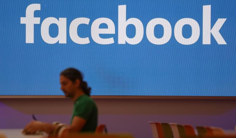 Facebook incluye una nueva aplicación para buscar empleo.