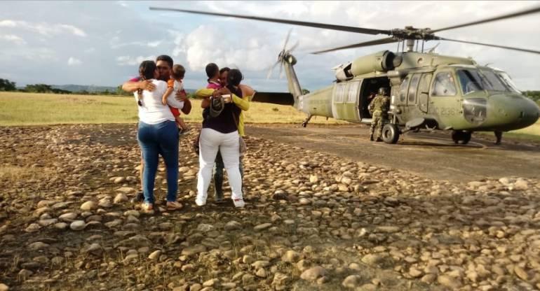 liberan a dos personas en Arauca: Rescatan a dos personas secuestradas por ELN en Arauca