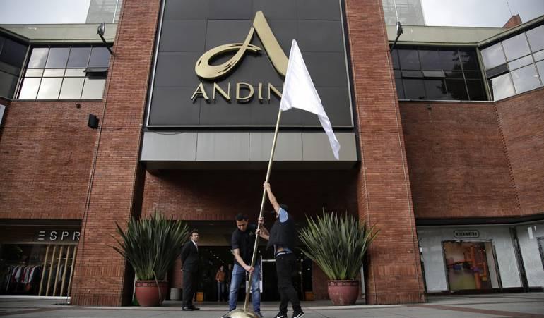 Atentado Centro Comercial Andino
