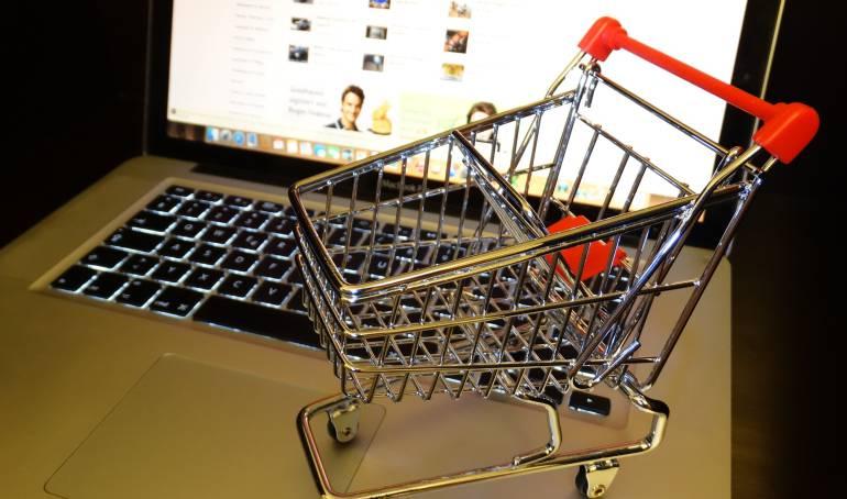 Compras por internet imagen de referencia