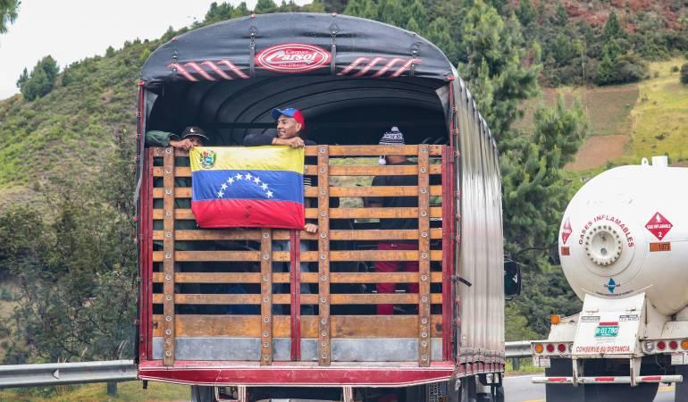 """Caminantes venezolanos: """"A Venezuela no volvemos sino hasta que caiga este gobierno"""": caminantes"""