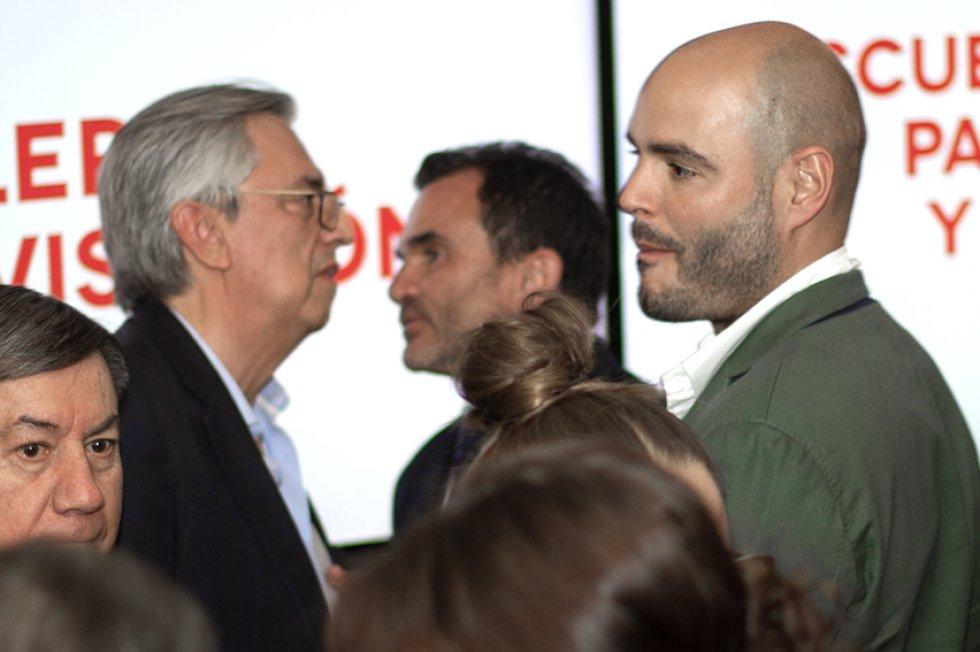 Ricardo Alarcón y Dionisio Izquierdo, gerente financiero y de recursos de Caracol Radio.