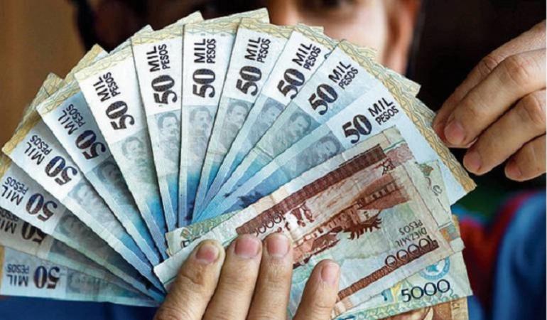 Uribe aumento del salario mínimo: Expectativa por detalles de propuesta de Uribe sobre aumento del salario