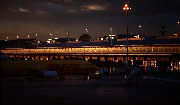 Servicios Aeropuerto el Dorado: Tormenta eléctrica genera restricción en El Dorado de Bogotá