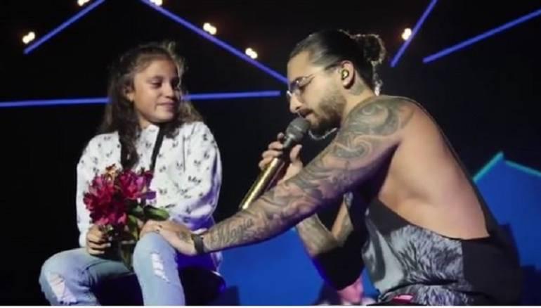 Maluma en un concierto de España da consejo una pequeña: El consejo que le da Maluma a una de sus seguidoras sobre los hombres