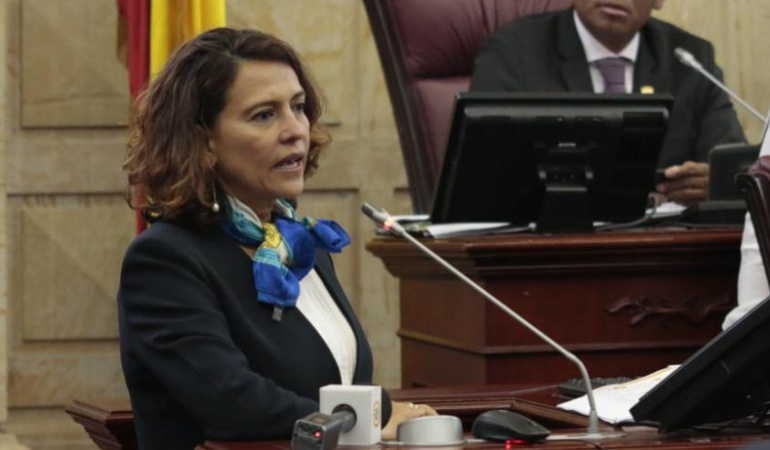 """Sueldos congresistas: MinInterior: """"Es inconstitucional rebajar sueldos de cualquier colombiano"""""""