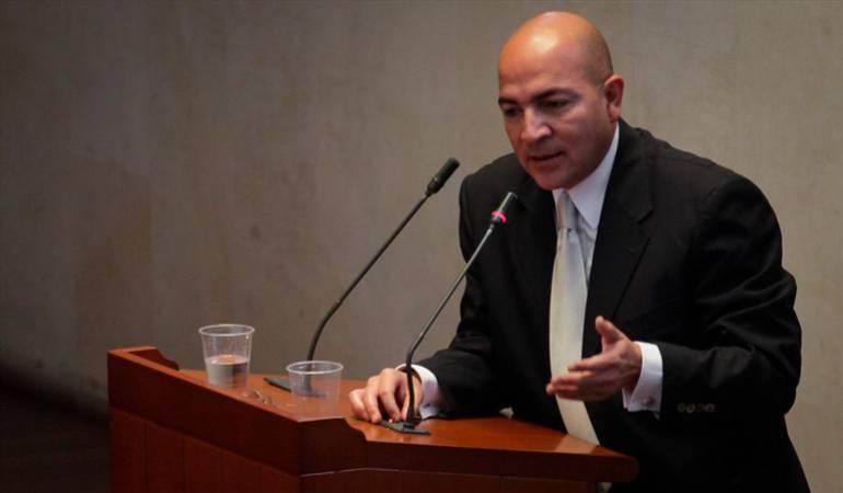 """Héctor Julio Gómez es investigado por el llamado """"carrusel de contratos"""""""