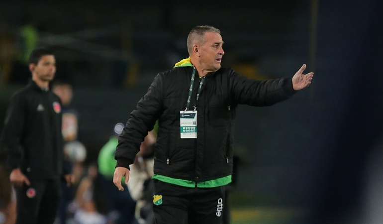 Nestor Craviotto: Nestor Craviotto no continuará como técnico del Atlético Huila