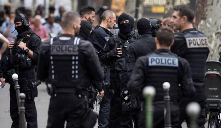 Ataque Francia: Siete heridos, varios graves, por un ataque con cuchillo en París