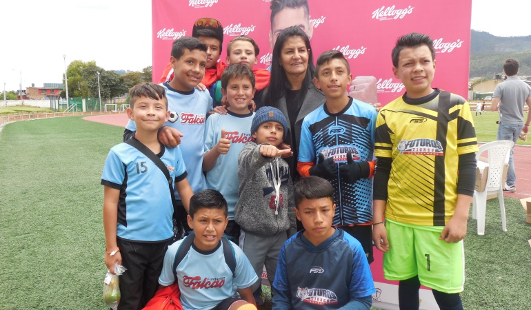 Fundación Falcao García: Fundación de Falcao ayuda a más de 700 niños en diferentes lugares del país