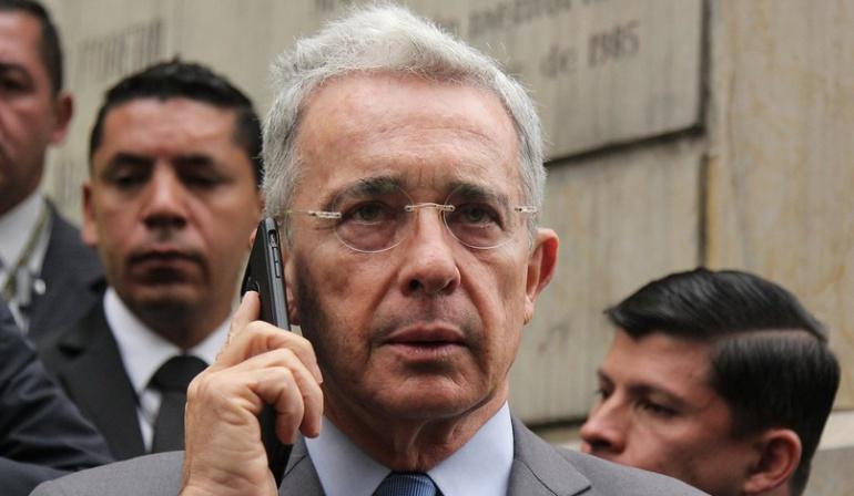 Chuzadas a Uribe Velez: Teléfono de Uribe sí estuvo intervenido este año por la Corte Suprema