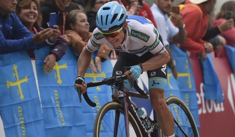 """Superman Lopez Vuelta a España: Miguel Ángel López: """"Contento con el podio, pero quería ganar la etapa"""""""