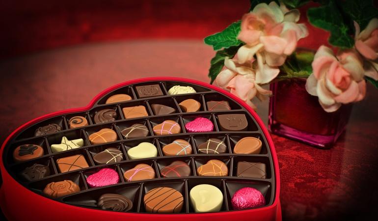 Amor y Amistad regalos: Con chocolates, flores, cenas y Moteles Colombianos celebran Amor y Amistad