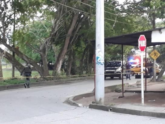 Atacan con granada a policía en Arauca