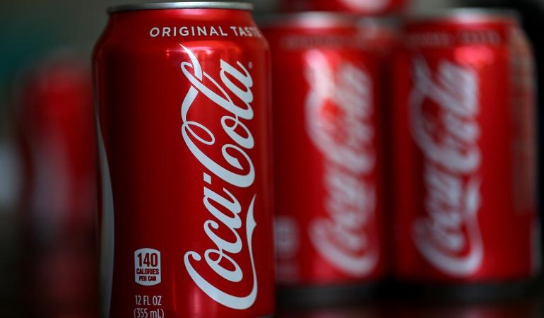 Coca-Cola estudia nueva línea de bebidas con cannabis