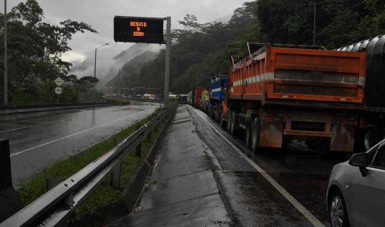 Vías urbanas: La carretera Bogotá - Villavicencio: Un caos total